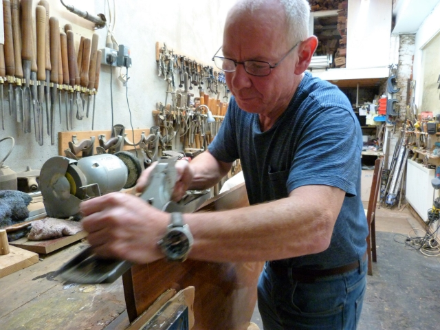 Mike Pearson of Devon Antique Resrtoration Restoring an antique table